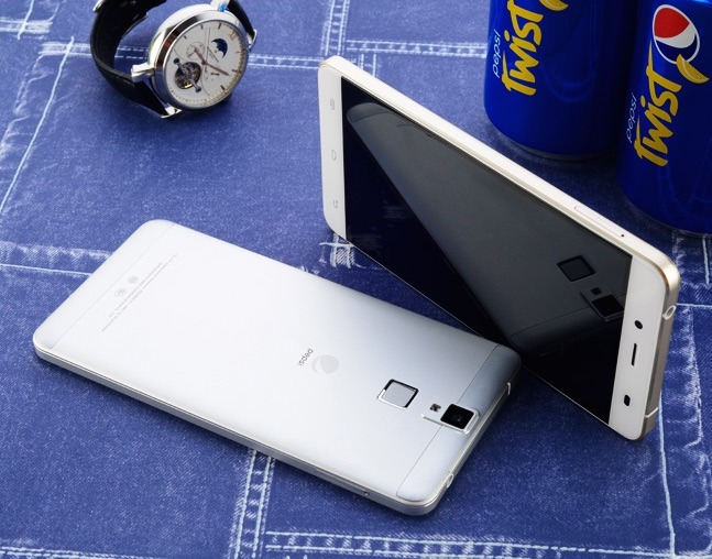 pepsi phone silver and gold